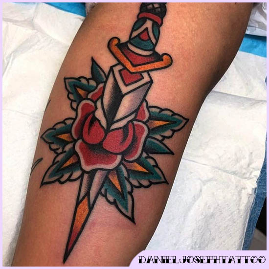 spada con rosa old school tattoo