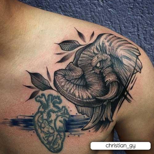 tatuaje de elefante blackwork