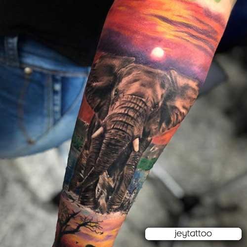 tattoo elefante realistico a colori