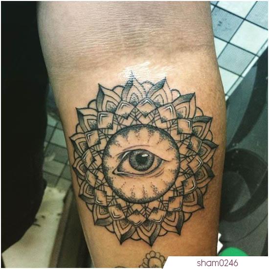 tatuaje mandala con ojo