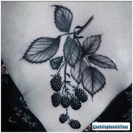 Blackwork Tattoo Rovo