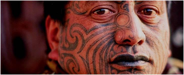 maori tattoo uomo