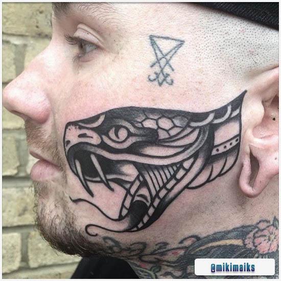 Blackwork Tattoo Tradizionale Serpente