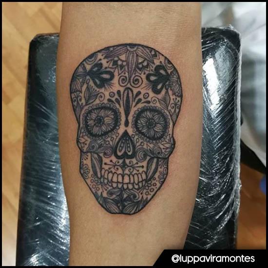 teschio messicano bianco e nero