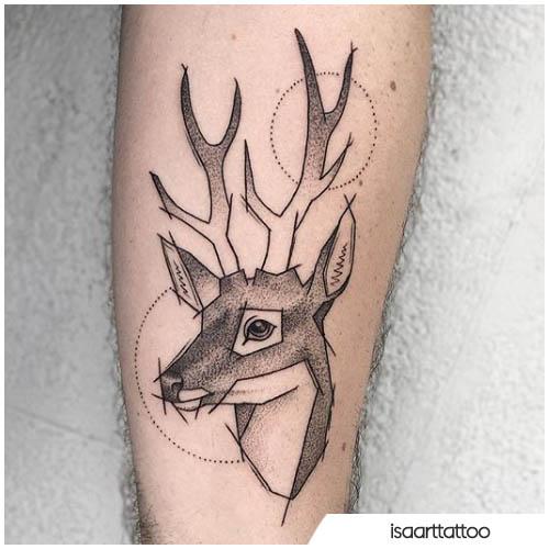 tatuaje geométrico de ciervos dotwork