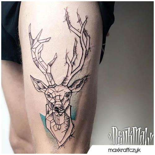 tatuaggio cervo metà geometrico