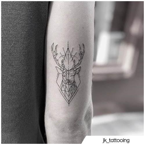 cervo tattoo geometrico