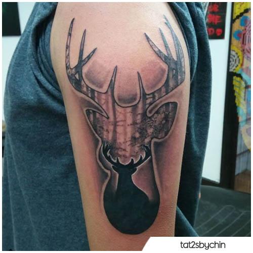tatuaggio cervo nel cervo