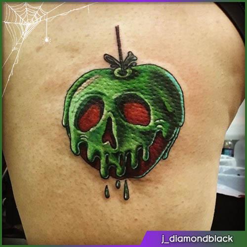 Halloween tattoo mela avvelenata