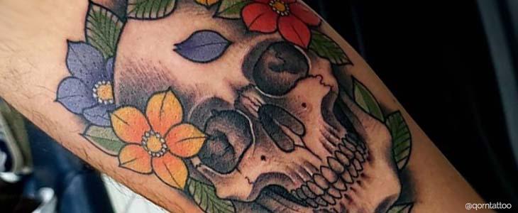tecnica mista tatuaggio teschio