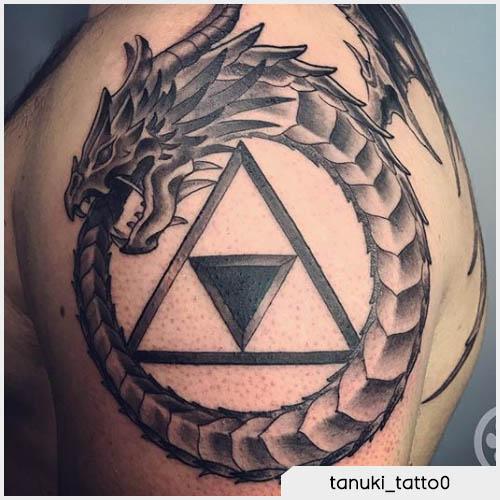 Tattoo drago ouroboros