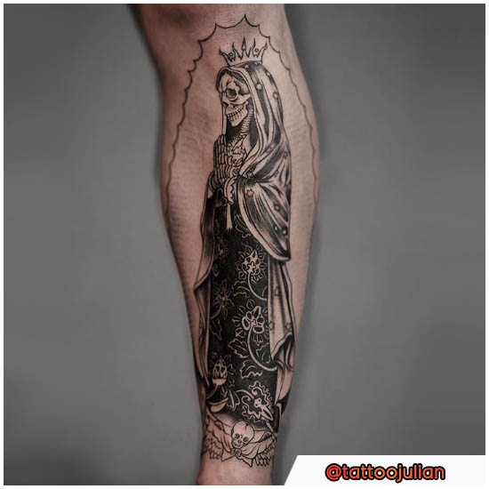 Santa Muerte in stile blackwork