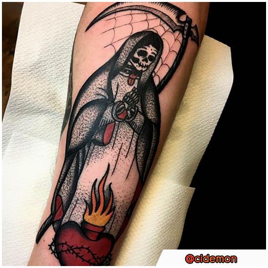 Santa Muerte Tattoo stile misto