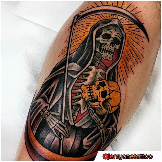 Santa Muerte con hoz y calavera en mano