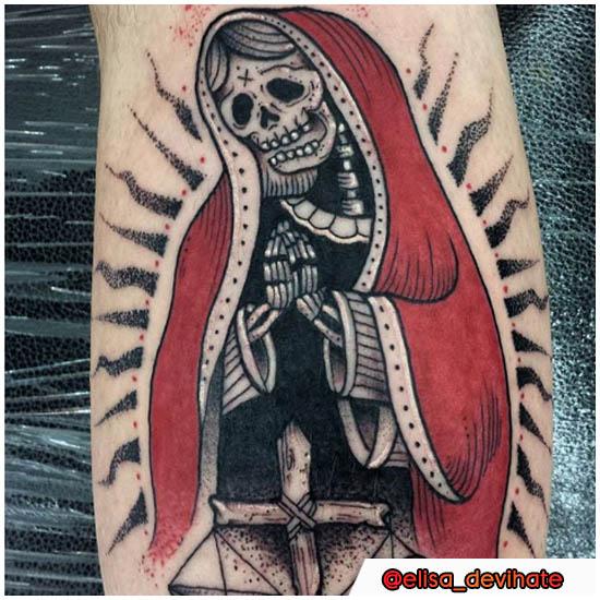 Tatuaggio Santa Muerte polpaccio