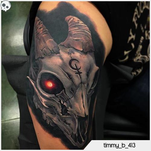 tatuaggio teschio caprone