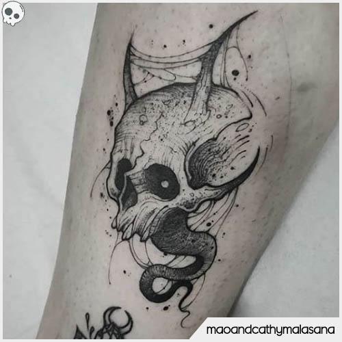 tatuaggio teschio con corna