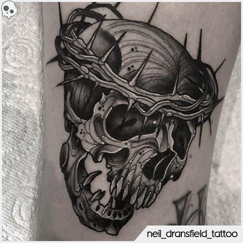 tatuaggio teschio blackwork