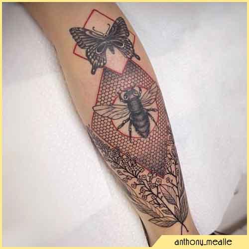 Tatuaje Geométrico De Abeja