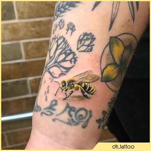 Tatuaggio Ape Mini Realistico Colorato