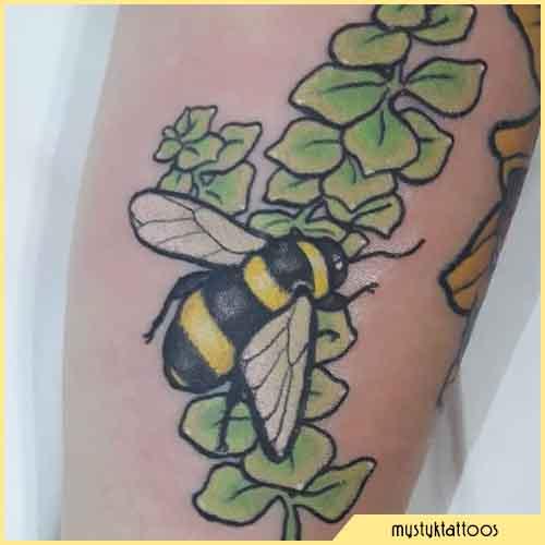 Hojas De Tatuaje De Abeja