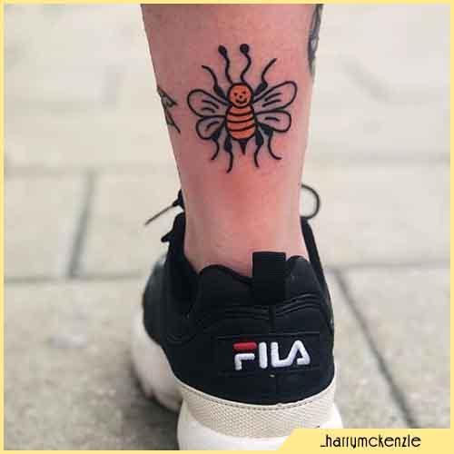 Tatuaje De Abeja Bebé