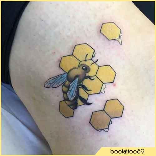 Tatuaggio Ape Con Nido d'ape