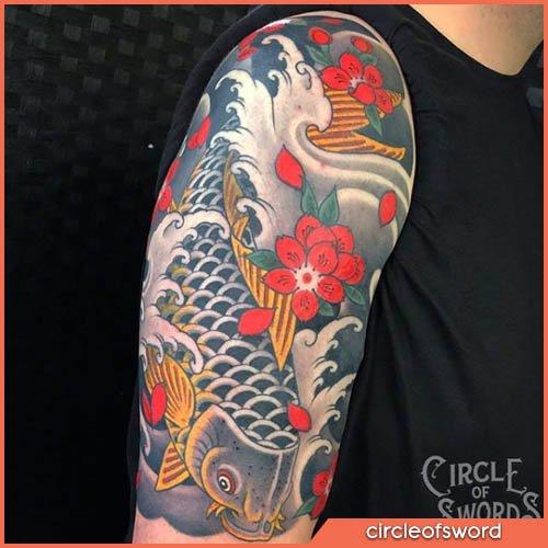 Tatuaje japonés de carpa gris