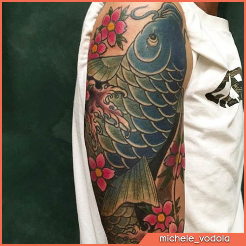 tatuaggio giapponese carpa blu