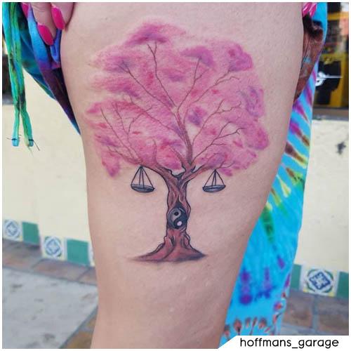 tatuaje de cereza yin yang