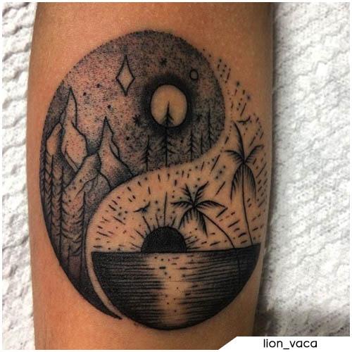 tatuaggio yin yang montagna e spiaggia
