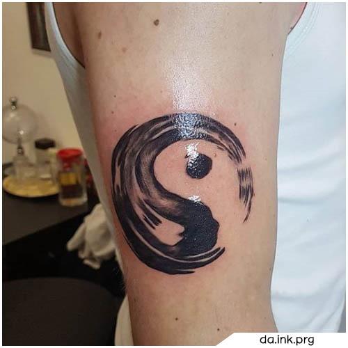 tatuaje de yin yang