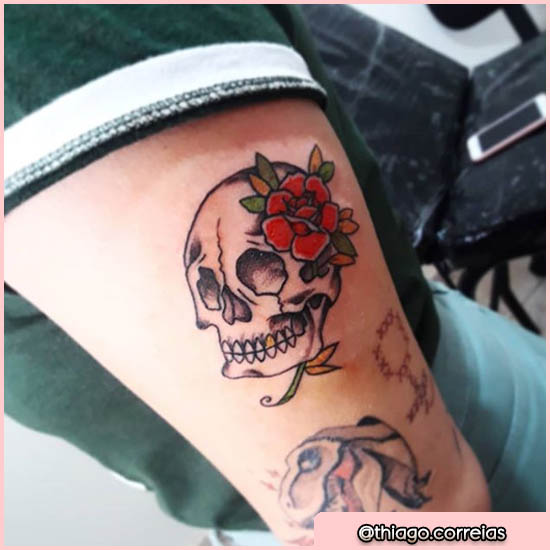 old school tattoo teschio con rosa rossa