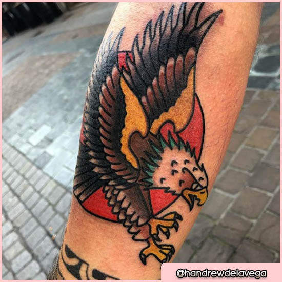 old school tattoo aquila con sole rosso