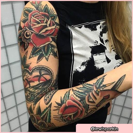 ejemplo de tatuaje old school brazo femenino