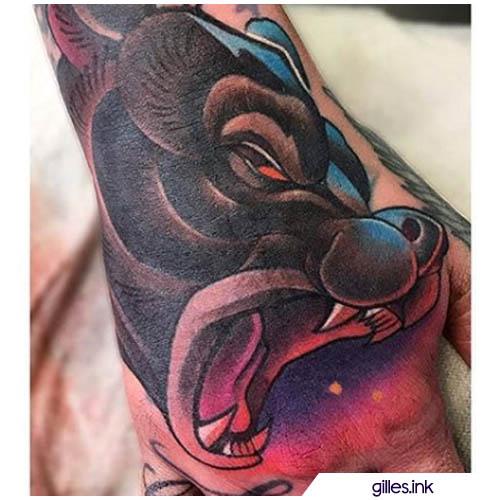 tatuaggio orso mano