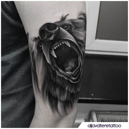 tatuaggio orso semi realistico