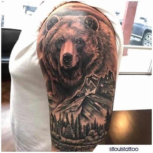 tatuaggio orso montagne