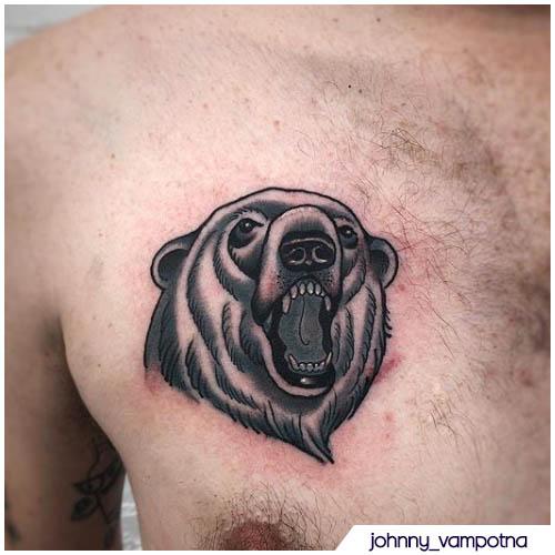 tatuaggio orso petto