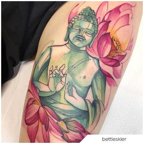Tatuaggio fiore di loto budda