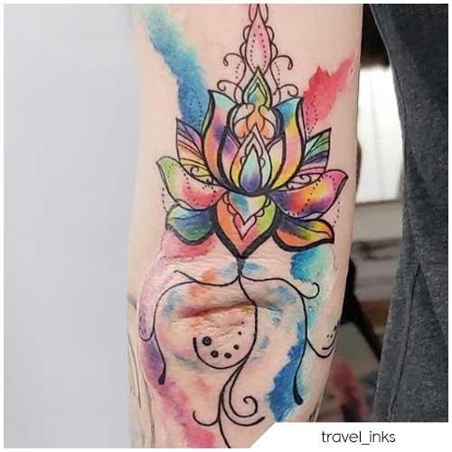 Tatuaggio fiore di loto watercolor
