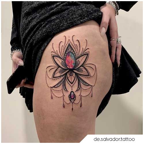 tattoo fiore di loto brillante