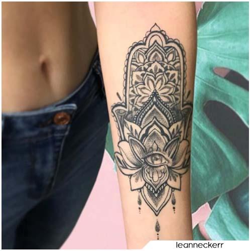 Tatuaggio mano di Fatima avambraccio sinistro