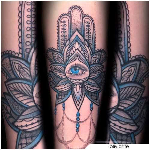 Tatuaggio mano di Hamsa goccia