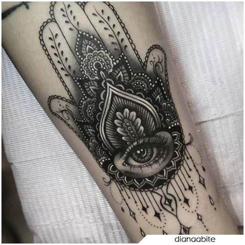 Tatuaggio mano di Hamsa dettagliato