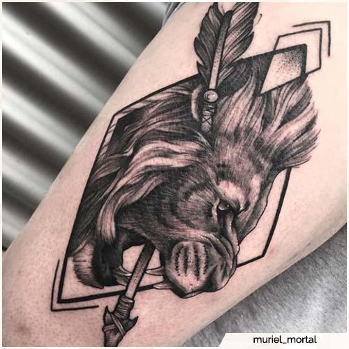 tatuaggio leone freccia