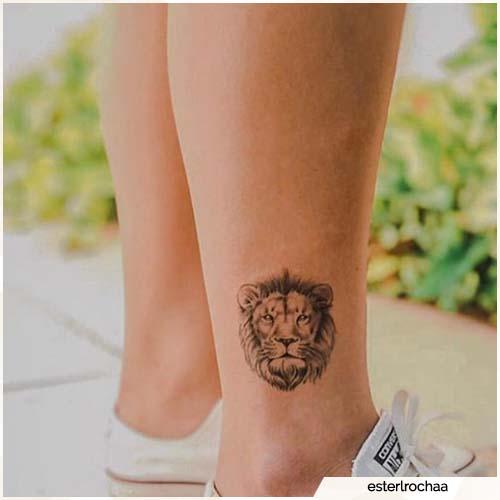 tatuaje de tobillo de león