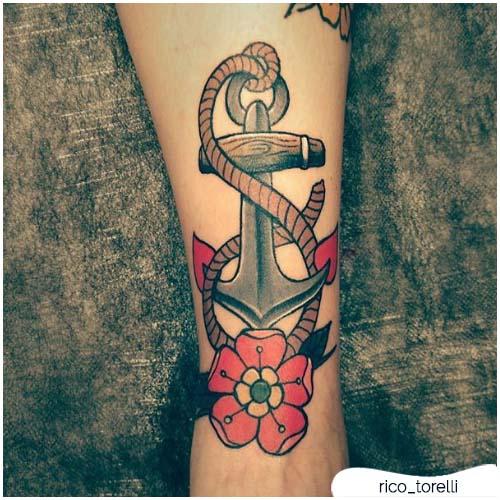 Tatuaggio ancora con la corda