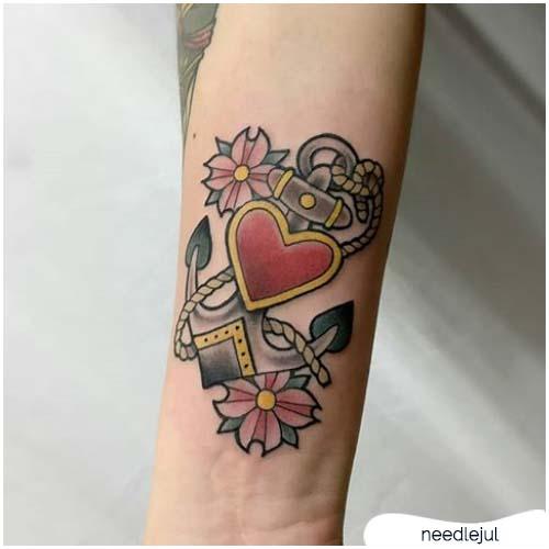 Significato tatuaggio ancora e cuore