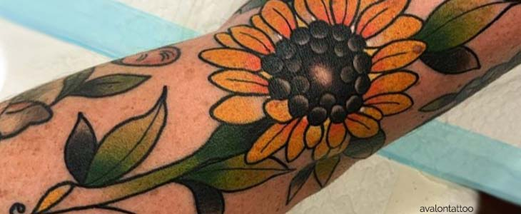 tatuaje de girasol antebrazo